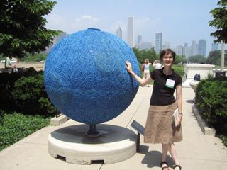 ©2007 Lindsay Obermeyer Cool Globes opening in Chicago