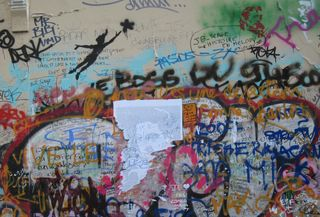 ©2010 Lindsay Obermeyer graffiti