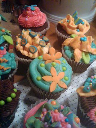©2011 Lindsay Obermeyer Make Day Cupcakes