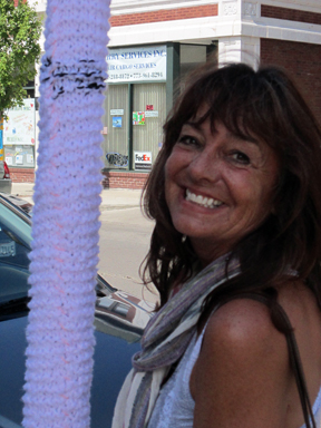 ©2011 Lindsay Obermeyer Carol Lou, yarn bombing, yarn storming, installation, community art, Rogers Park Business Alliance, Chicago
