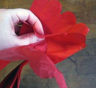 ©2012 Lindsay Obermeyer Making a Tissue Paper Peony Wreath