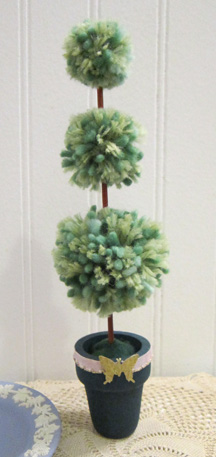 ©2012 Lindsay Obermeyer Pompom Topiary
