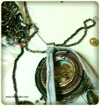 ©2012 Lindsay Obermeyer Industrial Chic Blog Hop Making