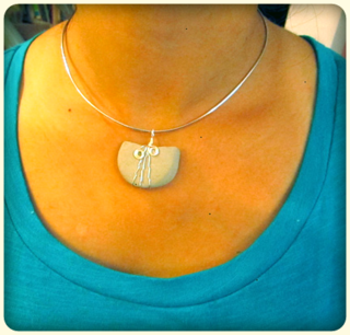 ©2012 Lindsay Obermeyer Pebble Charm