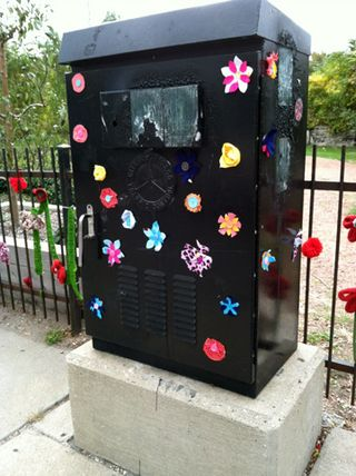 ©2012 Lindsay Obermeyer Street Art Blossom