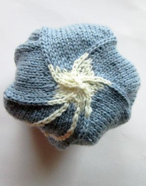 ©2013 Lindsay Obermeyer Star hat