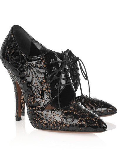 Alaia Laser cut lace up pumps400x600