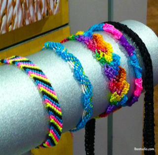 Lindsay-Obermeyer-CHA2014-CoatsandClark-Friendship-Bracelets